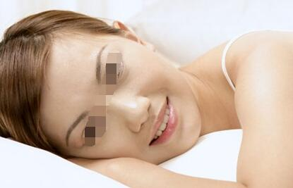 武汉女性白癜风扩散会有哪些症状?